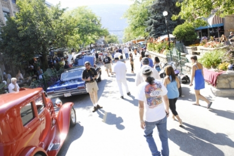 No doubt crowds will once again fill Baker Street during the Road Kings Queen City Cruise. — The Nelson Daily file photo